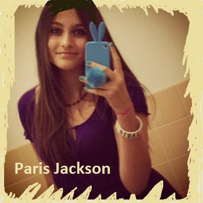 Paris Jackson on the mobile phone